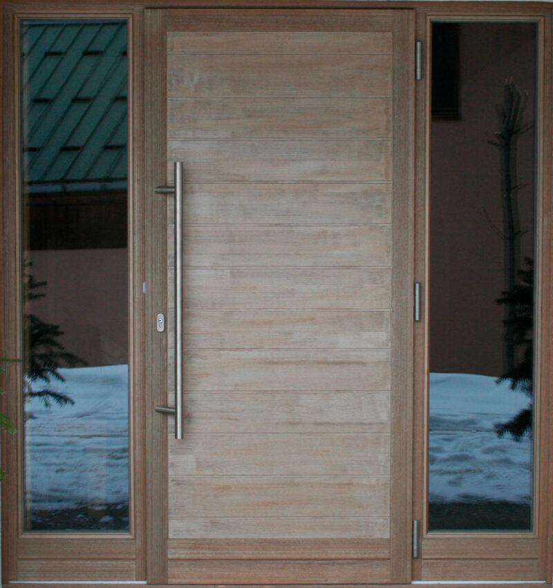 Porte d'entrée bois - 2 Fixes Latéraux - Finition Vieux Bois Marron Clair